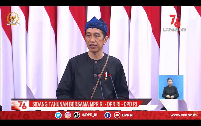 Jokowi Sebut Implementasi UU Cipta Kerja untuk Menarik Investasi