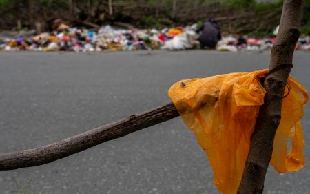 Diterapkan Tahun Depan, Cukai Kantong Plastik Dipatok Rp700/Lembar