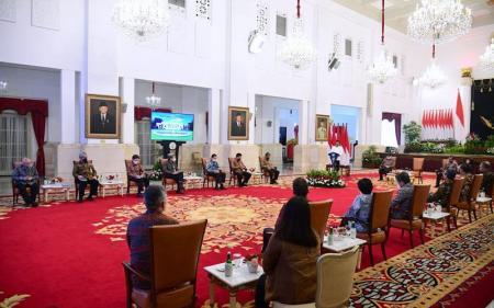 Jokowi Minta Porsi Kredit Perbankan untuk UMKM Dinaikkan Jadi 30%
