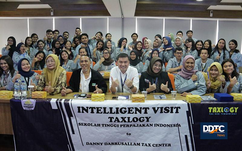 Mahasiswa Sekolah Tinggi Perpajakan Indonesia Sambangi Menara DDTC