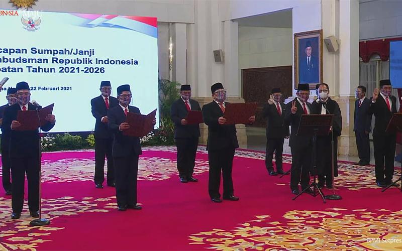 Jokowi Lantik 9 Anggota Ombudsman Baru