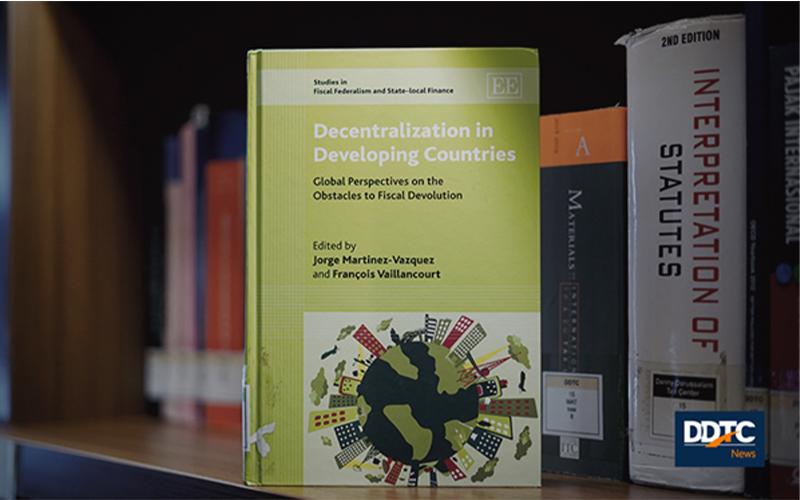 Mengurai Tantangan dan Prakondisi Desentralisasi di Negara Berkembang