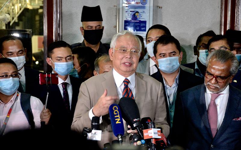 Menunggak Pajak, Mantan PM Malaysia Tolak Dinyatakan Pailit
