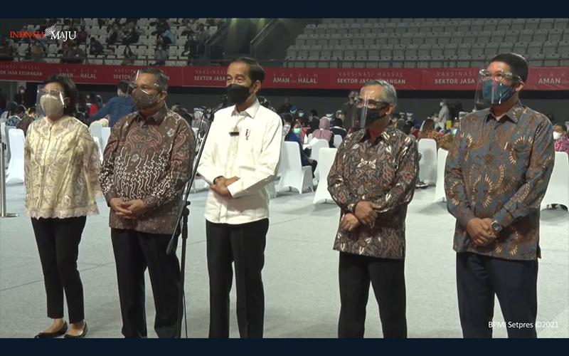 Jokowi Ingin Herd Immunity di Sektor Jasa Keuangan Tercapai Agustus