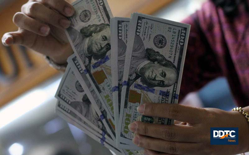 Rupiah Dinamis, Melemah Terhadap Dolar AS dan Menguat Terhadap Euro