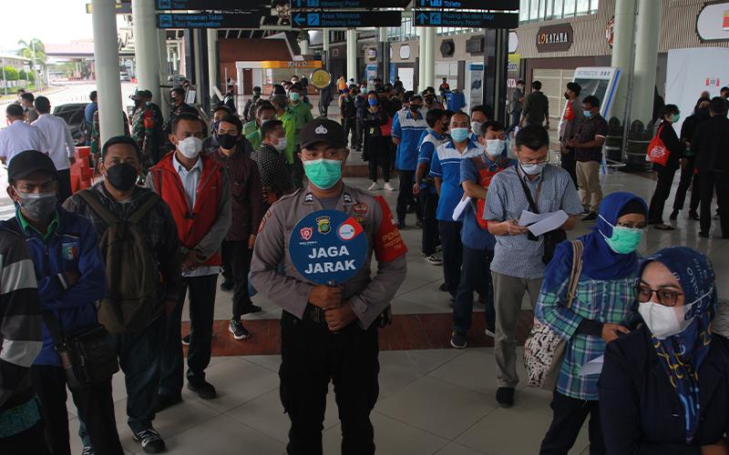 Tinjau Bandara Soetta, Dirjen Bea Cukai Minta Layanan Ditingkatkan