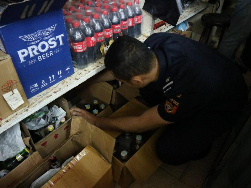 Gandeng Pemkot Malang, Bea Cukai Amankan Ratusan Miras Ilegal