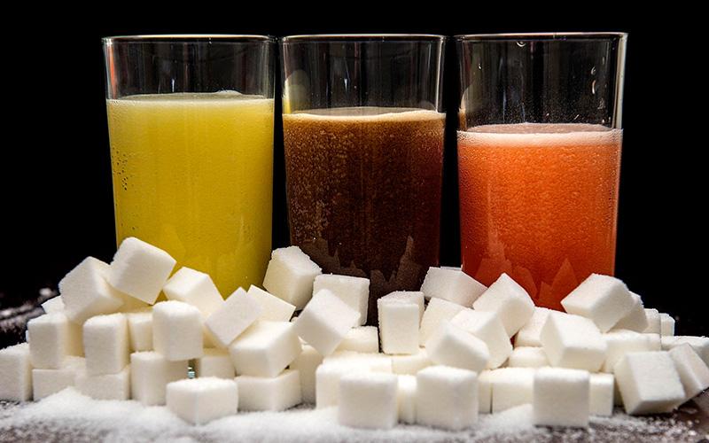 Pemerintah Berencana Pungut Pajak Minuman Berpemanis & Plastik