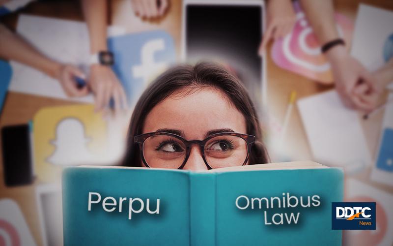 Pilih Perpu atau Omnibus Law, Tulis Komentar dan Raih Handphonenya