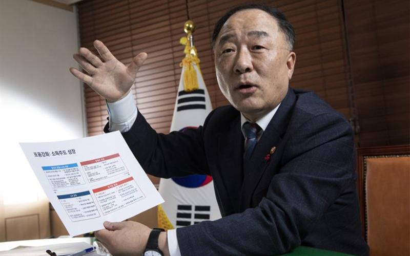 Usulan Kebijakan Pajak Diprotes, Menteri Keuangan Ini Ajukan Resign