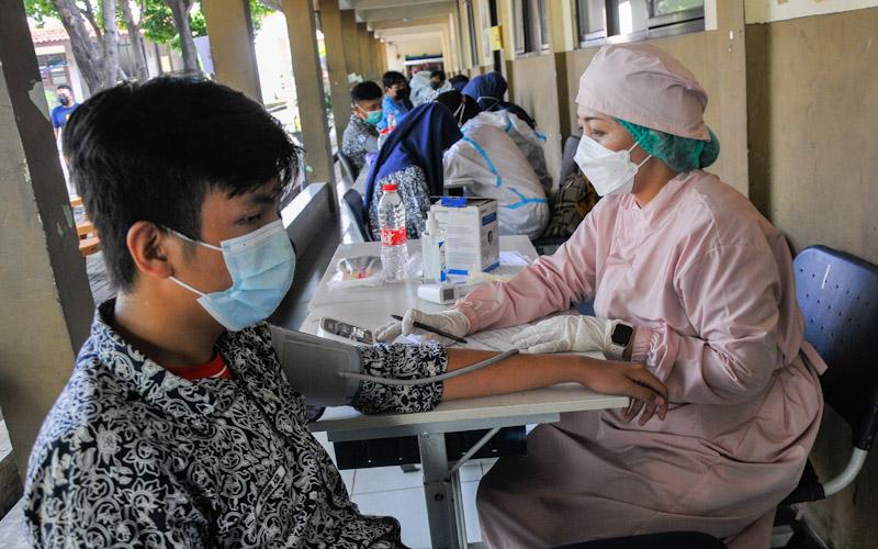Vaksinasi Dikebut, Anggaran Kesehatan Nyaris 10% Belanja Pemerintah